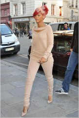 October 07, 2010: Rihanna is photographed heading into the Jean Paul Gaulthier while in Paris, today. Credit: INFphoto.com Ref.: inffr-01/107366|sp|U.S. SALES ONLY.